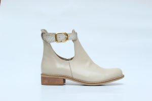 espacio-moos-zapatos-blancos-lalupita